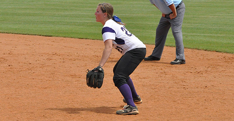 24th Softball Defeats Georgetown at NAIA Opening Round Photo