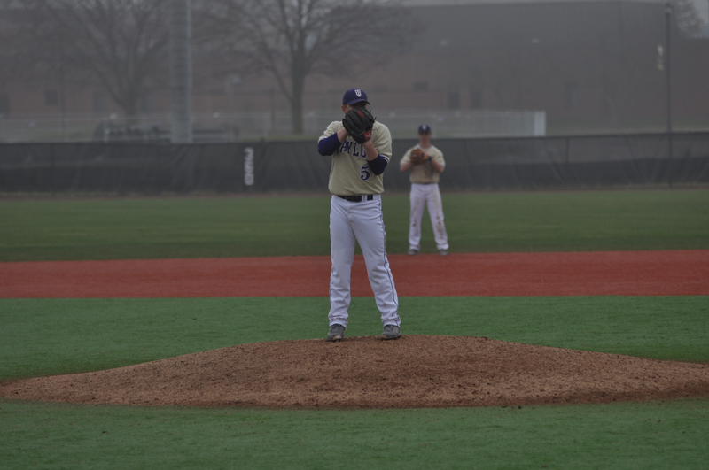 28th Baseball Splits with Cougars Photo