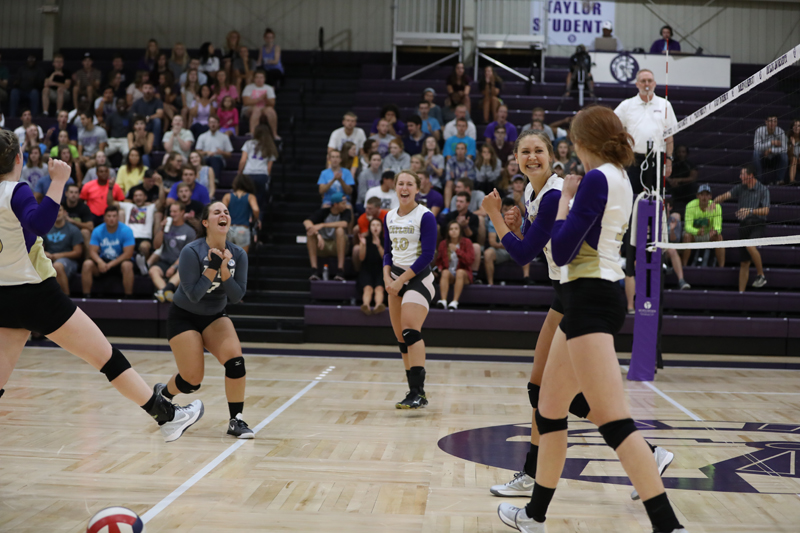 27th Trojans Sweep SAU in Luthy's Home Debut Photo