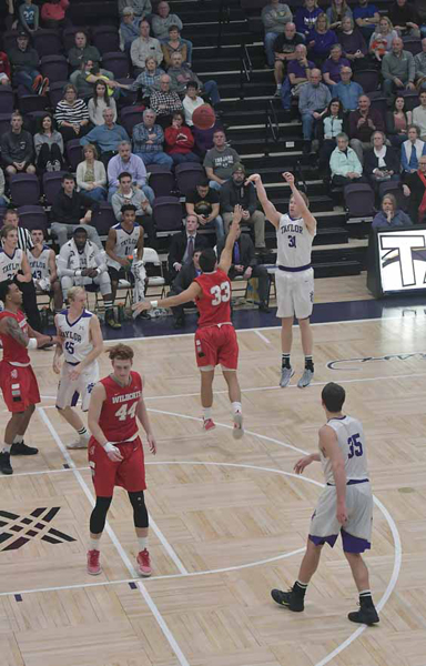 39th IWU Edges Past Trojans in Odle Photo