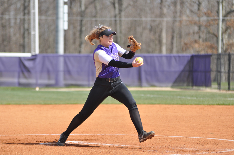 2nd Softball Earns Fifth-Straight Sweep Photo