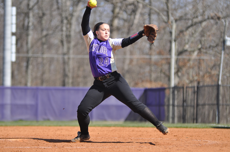 16th Softball Earns Fifth-Straight Sweep Photo