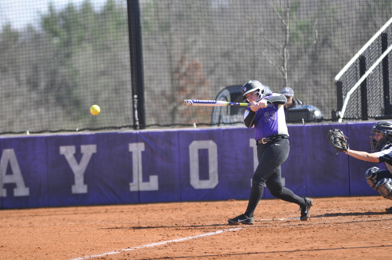 17th Softball Earns Fifth-Straight Sweep Photo