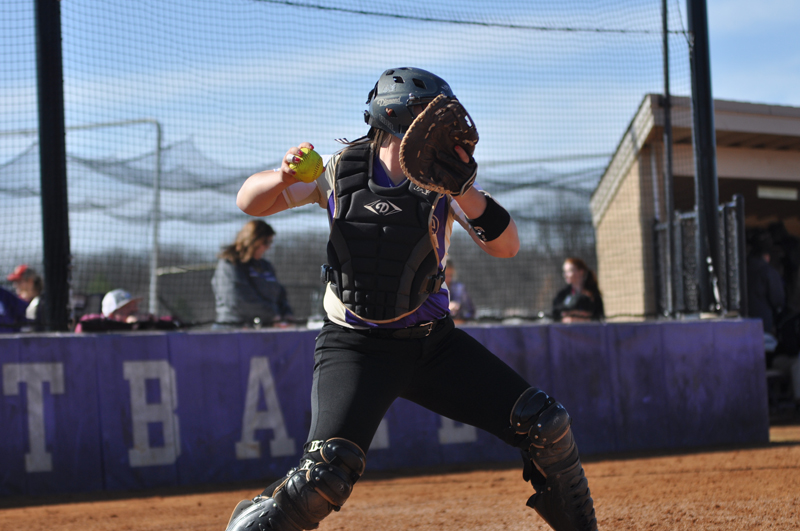 22nd Softball Earns Fifth-Straight Sweep Photo