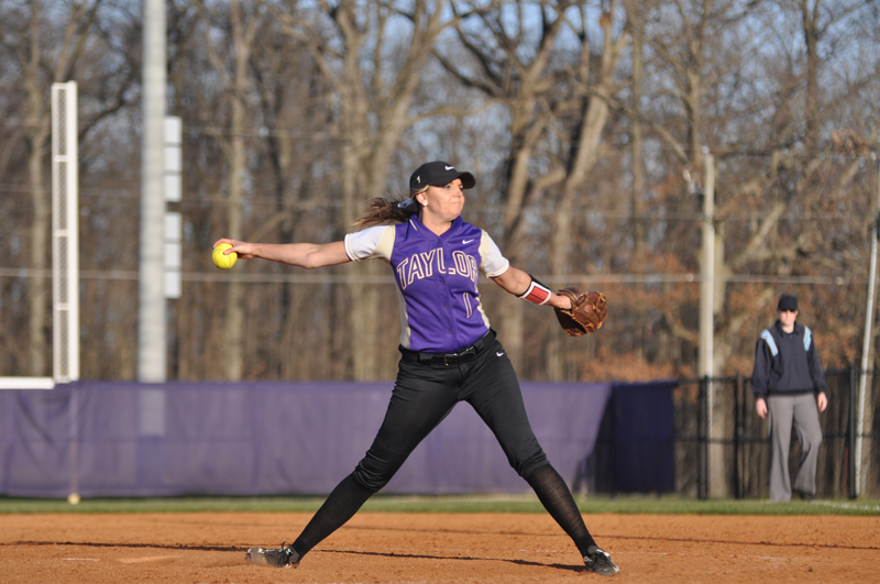38th Softball Earns Fifth-Straight Sweep Photo