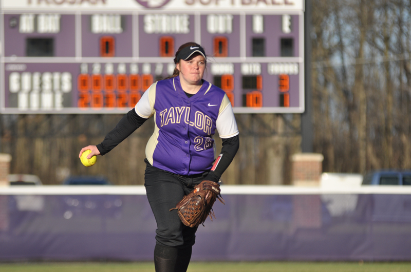 40th Softball Earns Fifth-Straight Sweep Photo