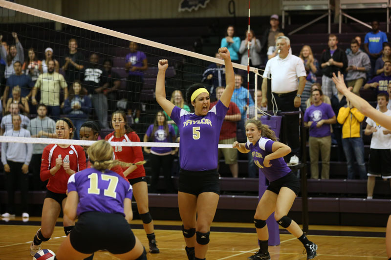 10th Volleyball Sweeps IWU Photo