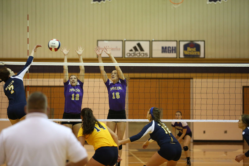 6th Volleyball Sweeps Marian Photo