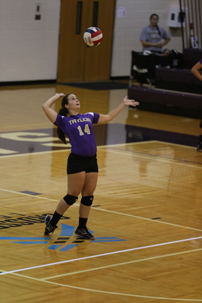 17th Volleyball Sweeps Marian Photo