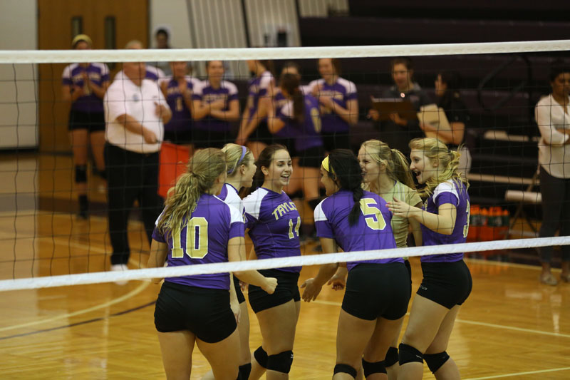 18th Volleyball Sweeps Marian Photo