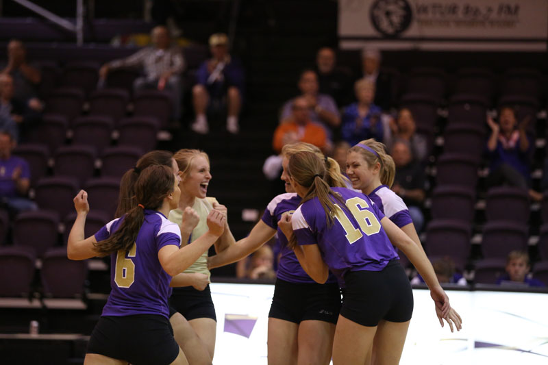 29th Volleyball Sweeps Marian Photo
