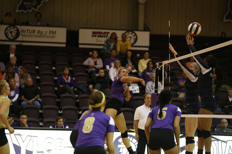 37th Volleyball Sweeps Marian Photo