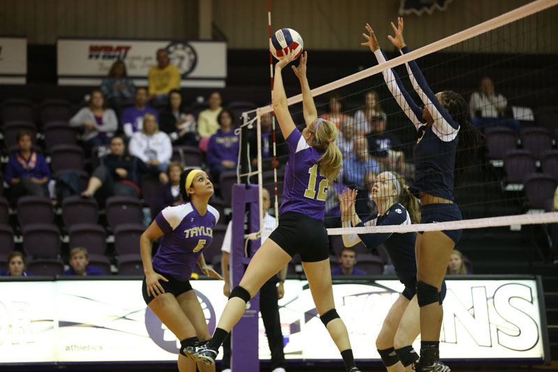 49th Volleyball Sweeps Marian Photo